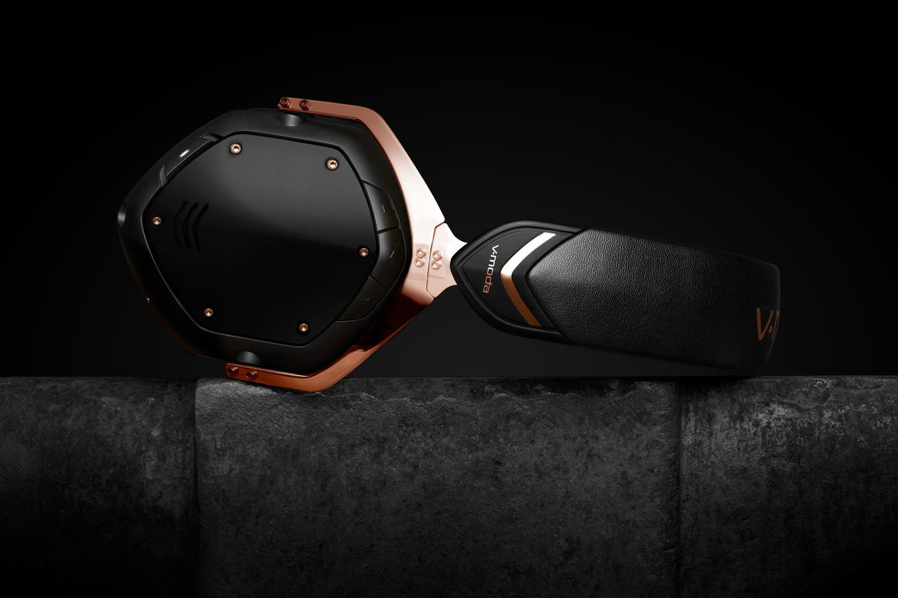 you can now get v moda headphones customized in best buy and microsoft stores