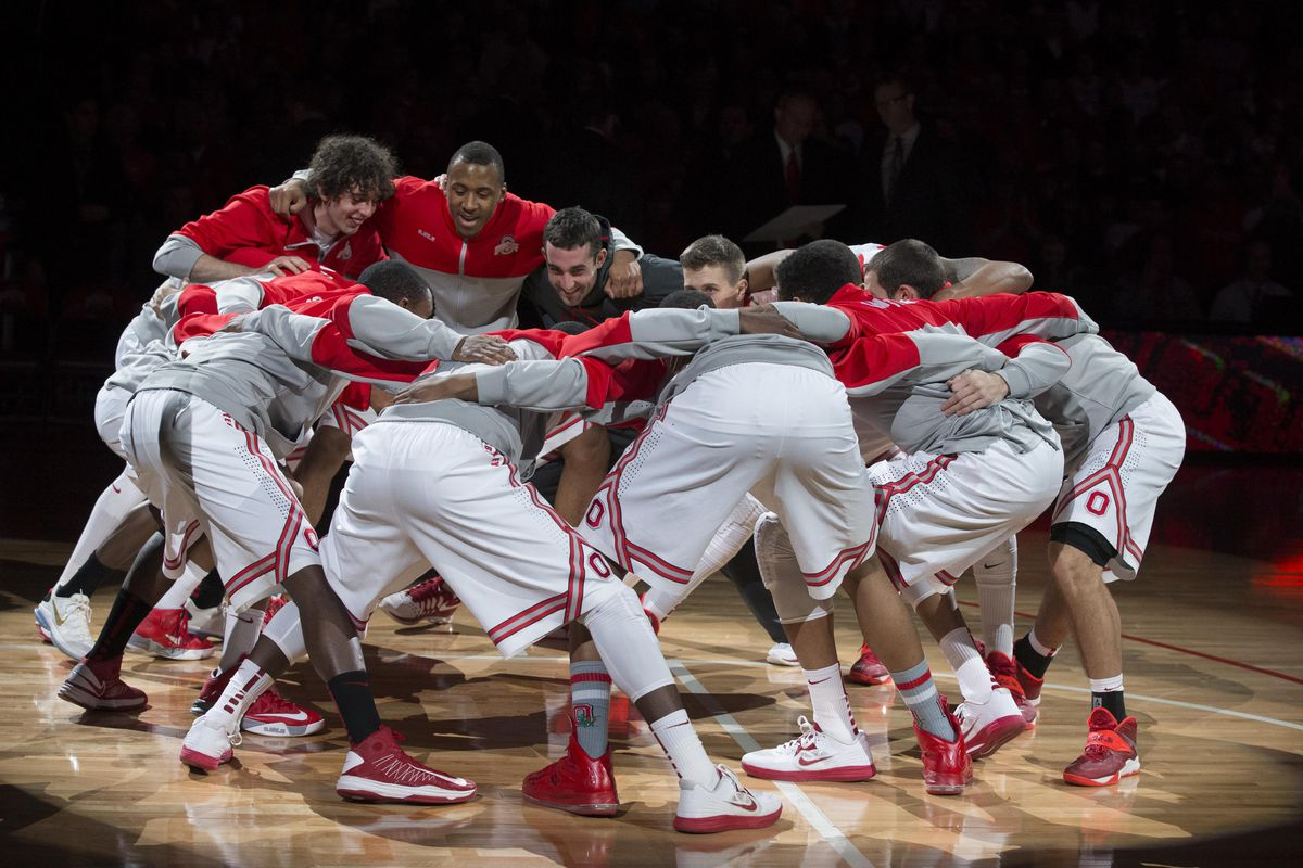 Ohio State's basketball team gets ready for the game against North Florida.