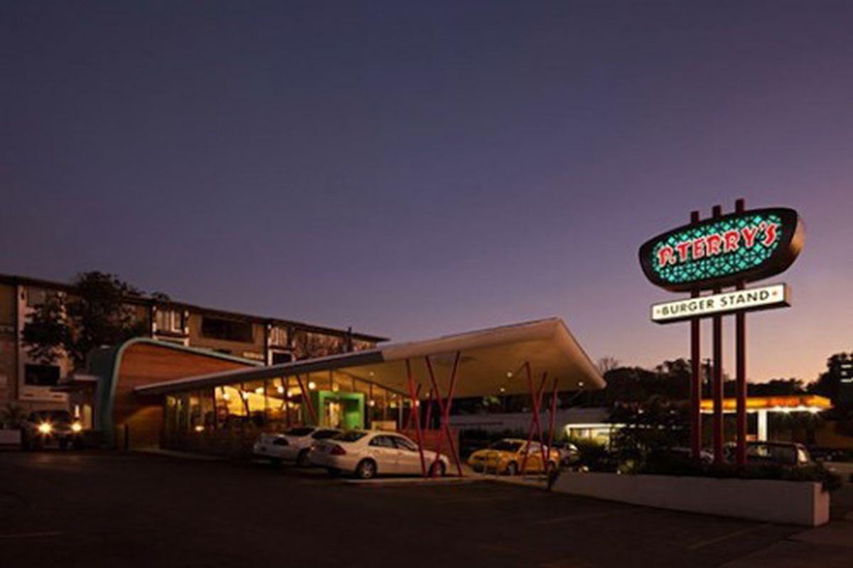 "<em>P. Terry's, North Lamar. [Photo: <a href=""http://www.hsuoffice.com/projects-restaurants-pterrys.html"" rel=""nofollow"">Paul Bardagjy</a>]</em>"