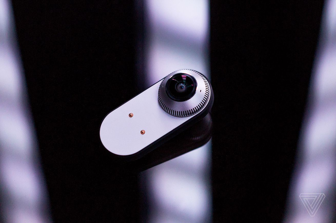 essential s camera accessory now supports facebook live streaming in 360 degrees