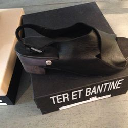 Ter et Bantine leather sandals, $323 (from $645), size 40 last pair