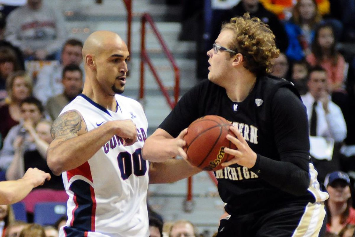 Matt Stainbrook might've been the goofiest-looking guy in the MAC, but he was definitely fun to watch and Xavier can use his services. (Photo: James Snook-US PRESSWIRE)
