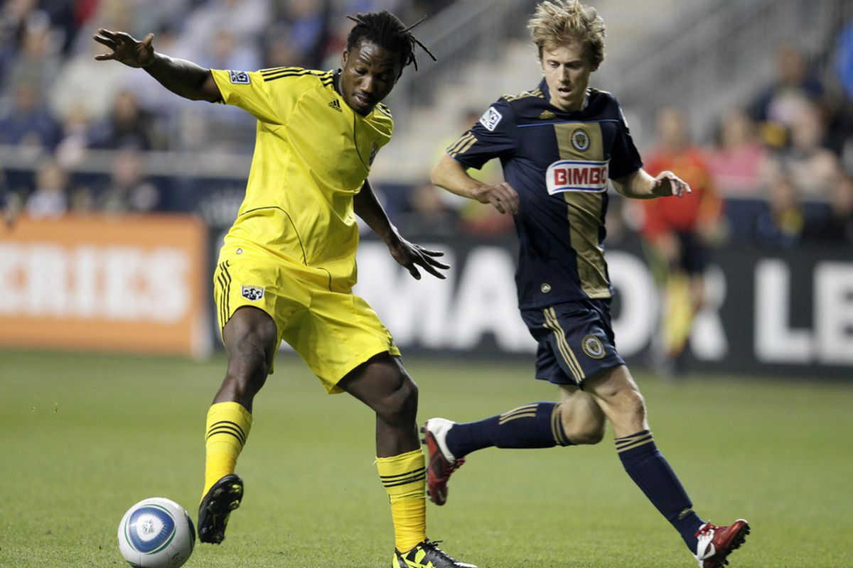 CHESTER, PA - SEPTEMBER 17:  Brian Carroll #7 of the Philadelphia Union chases Andres Mendoza #10 of the Columbus Crew during an MLS soccer game, September 17, 2011 at PPL Stadium in Chester, Pennsylvania. (Photo by Chris Gardner/Getty Images)