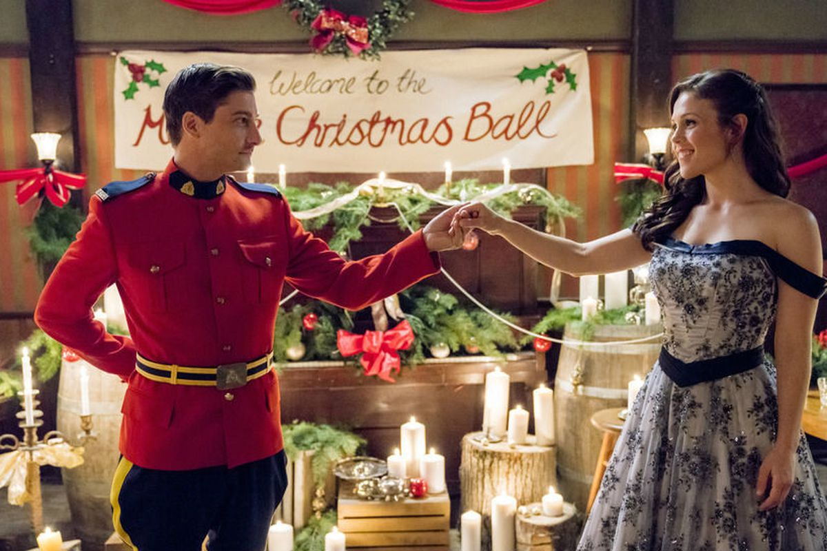 When Calls The Heart Christmas Special 2020 Full Episode When Calls the Heart': Daniel Lissing explains why he left