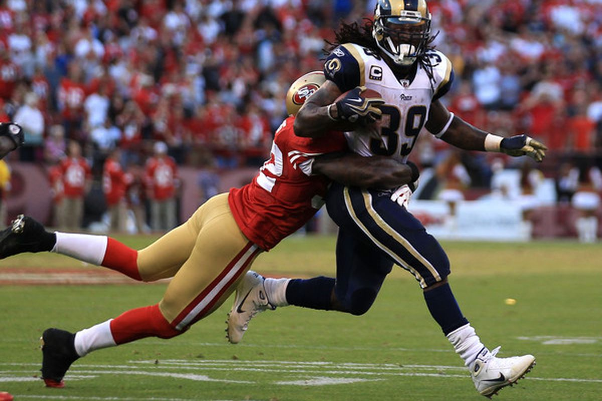 Steven Jackson #39 of the St. Louis Rams runs against the San Francisco 49ers during an NFL game at Candlestick Park on November 14 2010 in San Francisco California.