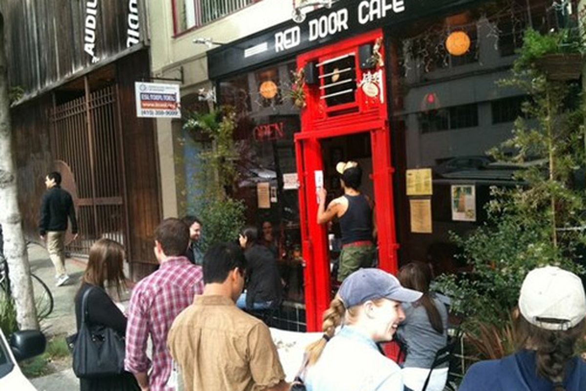 A typical weekend line at Red Door Cafe.