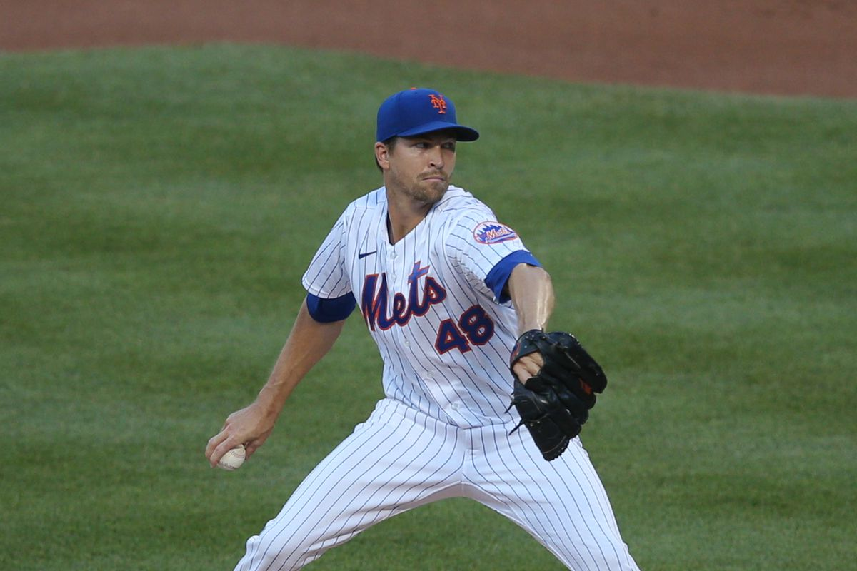 New York Mets starting pitcher Jacob DeGrom pitches against the Boston Red Sox during the first inning at Citi Field.