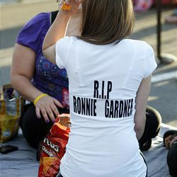 A family member, wishing to remain unidentified,  wears a shirt with a message to Ronnie Lee Gardner as family and friends gather in Draper for a vigil on Thursday before his execution.