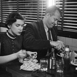 """Vaughn Monroe Eating at a Diner, Stanley Kubrick, 1949, From the collections of the Museum of the City of New York [<a href=""""collections.mcny.org/C.aspx?VP3=SearchResult_VPage&VBID=24UP1GY7JH7Q&SMLS=1"""">link</a>]"""