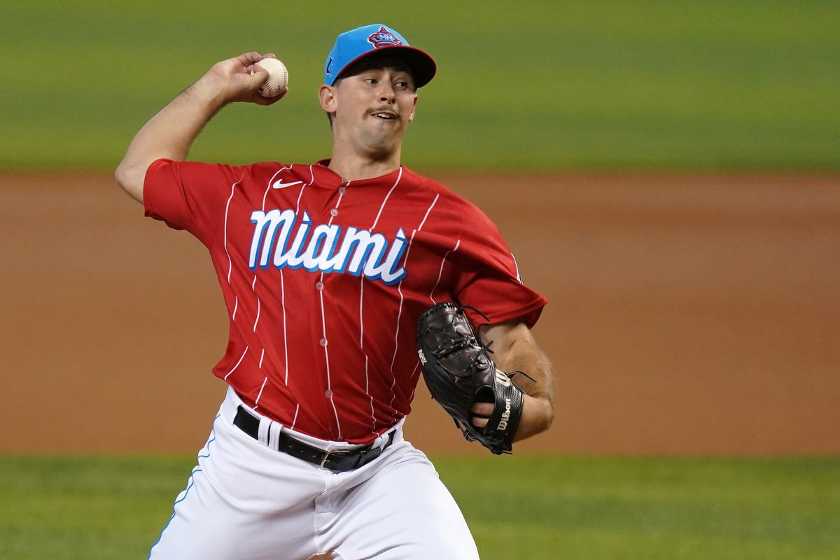 Miami Marlins starting pitcher Cody Poteet (72) delivers a pitch in the 1st inning against the New York Mets at loanDepot park.