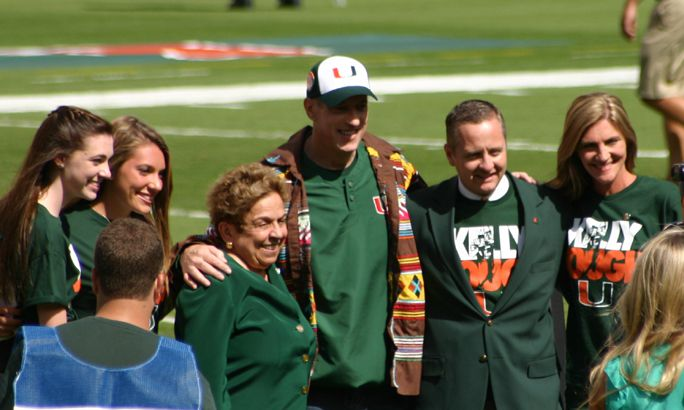 Former Cane great and NFL HOFer Jim Kelly being honored by the University of Miami