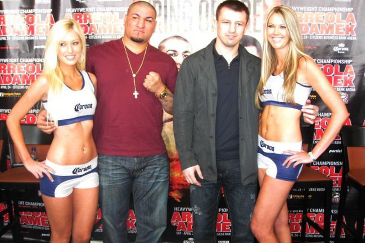 """Tomasz Adamek (right) was able to outbox Cristobal Arreola tonight in California. (Photo via <a href=""""http://www.facebook.com/#!/album.php?aid=154669&id=76572871323"""" target=""""new"""">Main Events @ Facebook</a>)"""