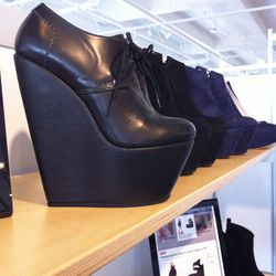 OMG shoes. Must-have platforms by Penelope and Coco.
