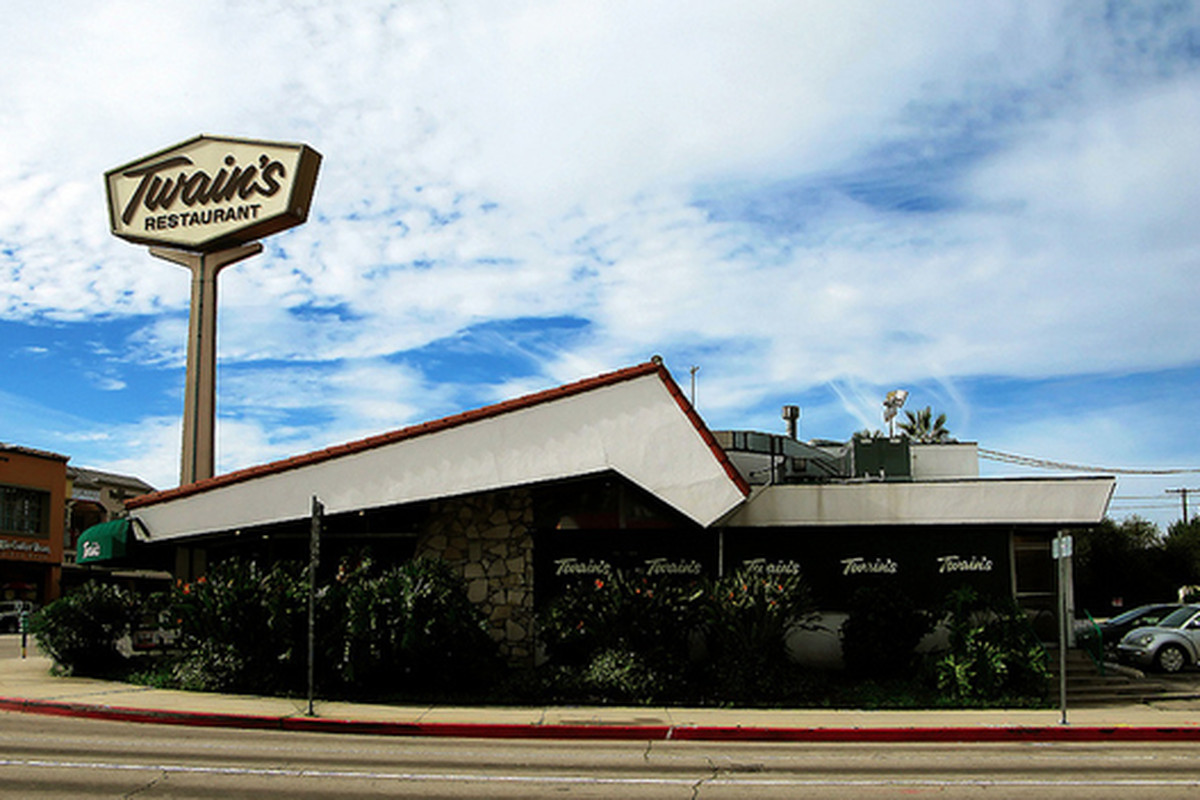 Twain's Restaurant, Studio City.