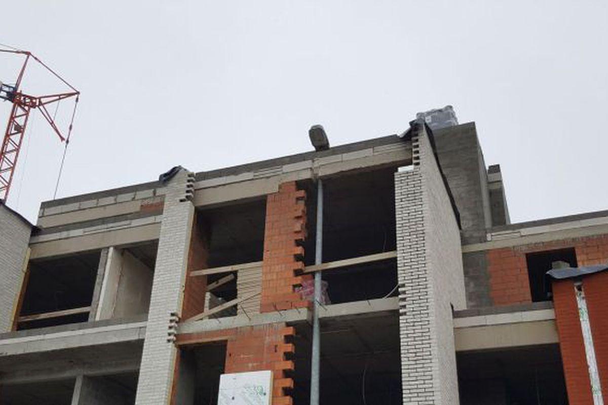 Apartment Building Built Around A Lamppost In Belgium Curbed