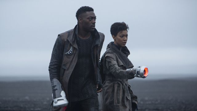 Sonequa Martin-Green and David Ajala in Star Trek Discovery season 3