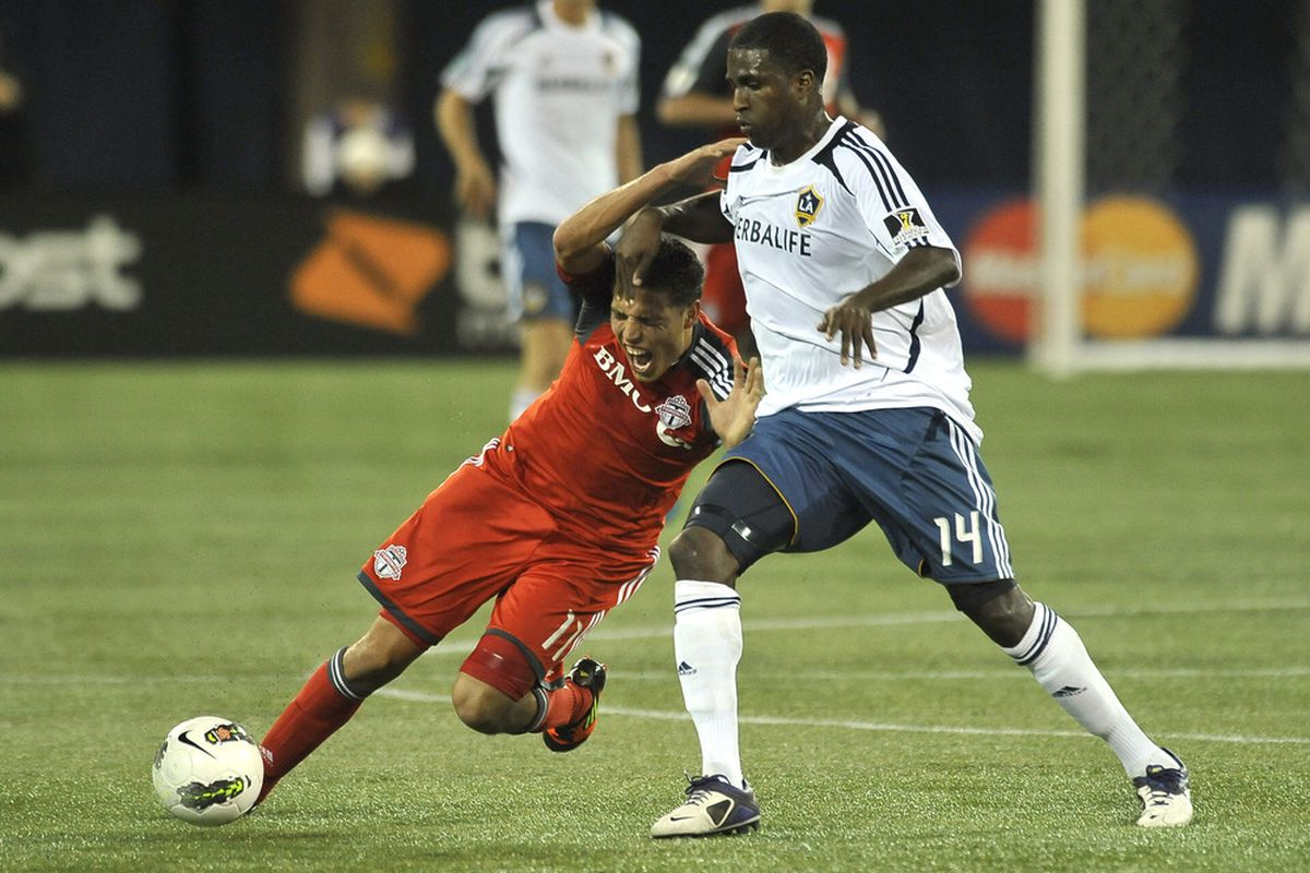 Oh look, Edson Buddle man handling someone.  He barely did any of that last night... More importantly though Silva was tracking back so hard last night that he was even covering LA's front man at time!