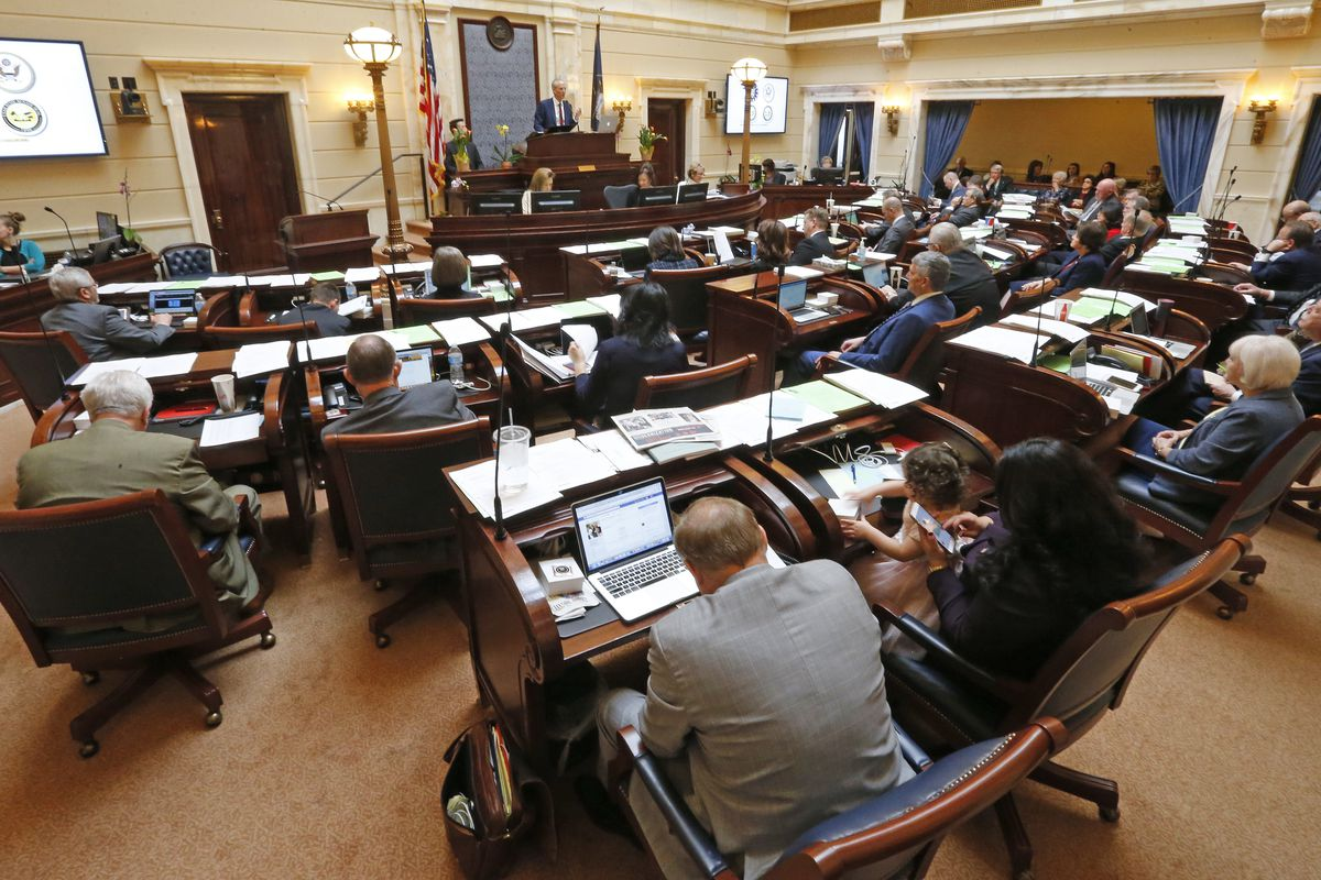 Utah Senate proposes hike in vehicle registration fees