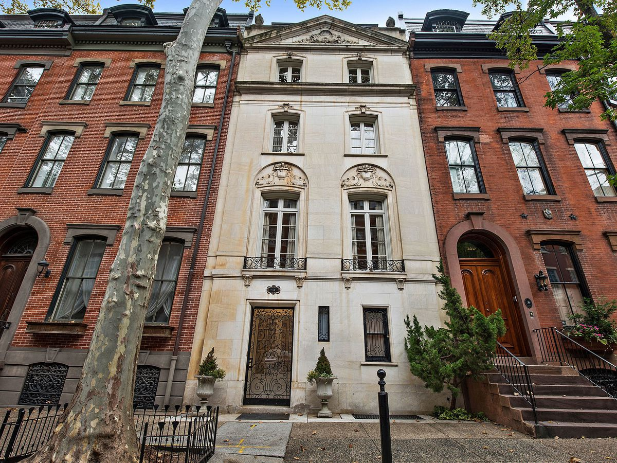 A Beaux Arts-style limestone rowhome in Philly's Rittenhouse Square neighborhood.