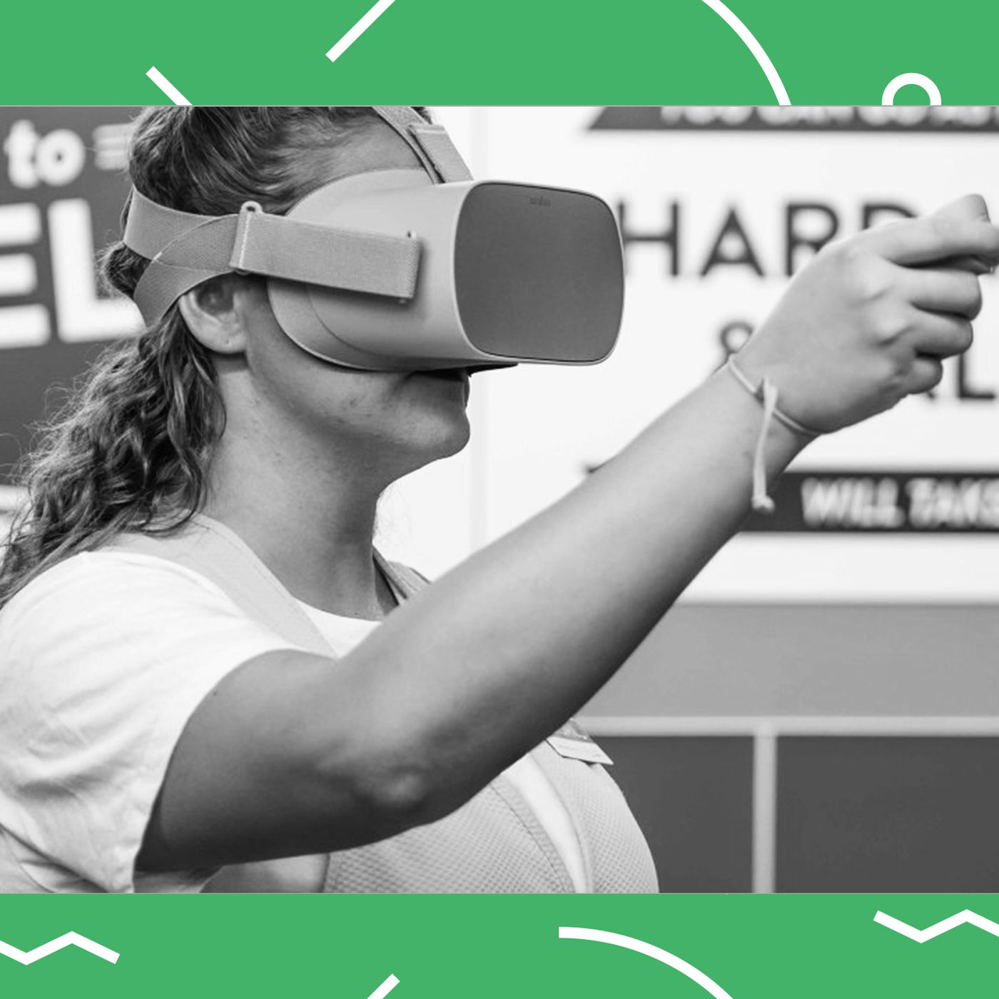 vox.com - Patrick Sisson - Walmart is using virtual reality to train its workforce for Black Friday