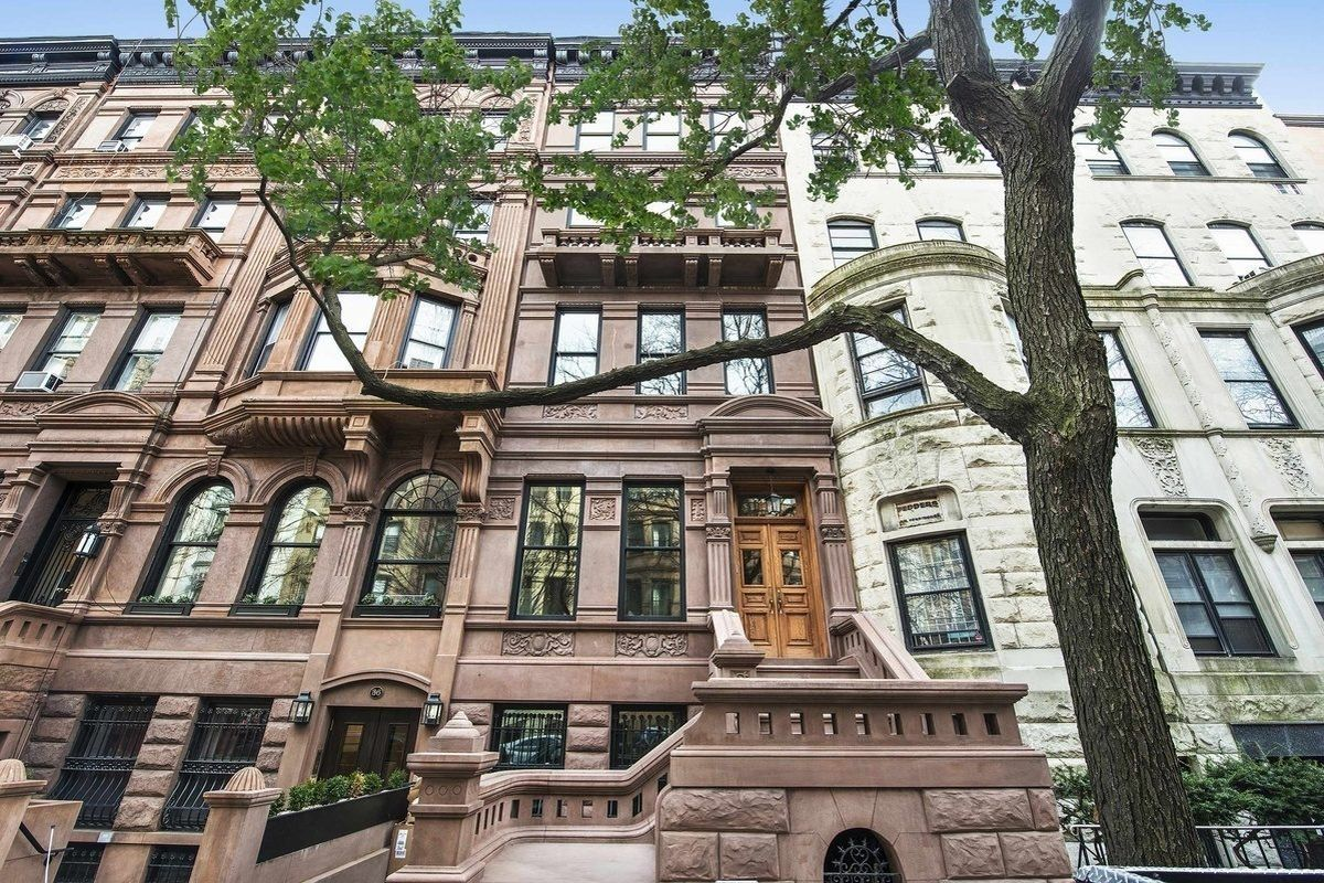 For $18M, an UWS Townhouse With a Wet Bar in the Bedroom - Curbed NY