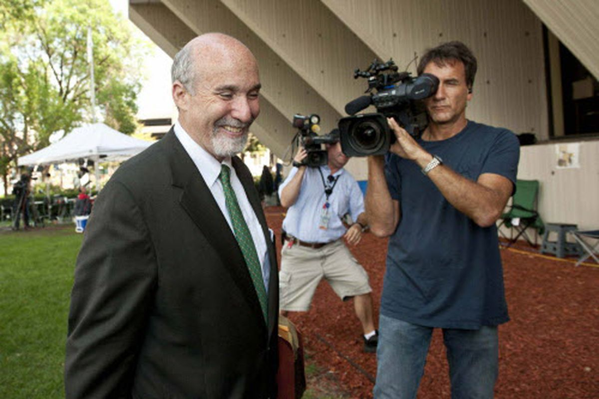 Attorney Joel Brodsky talks to reporters during the Drew Peterson trial in 2012.   Sun-Times file photo.
