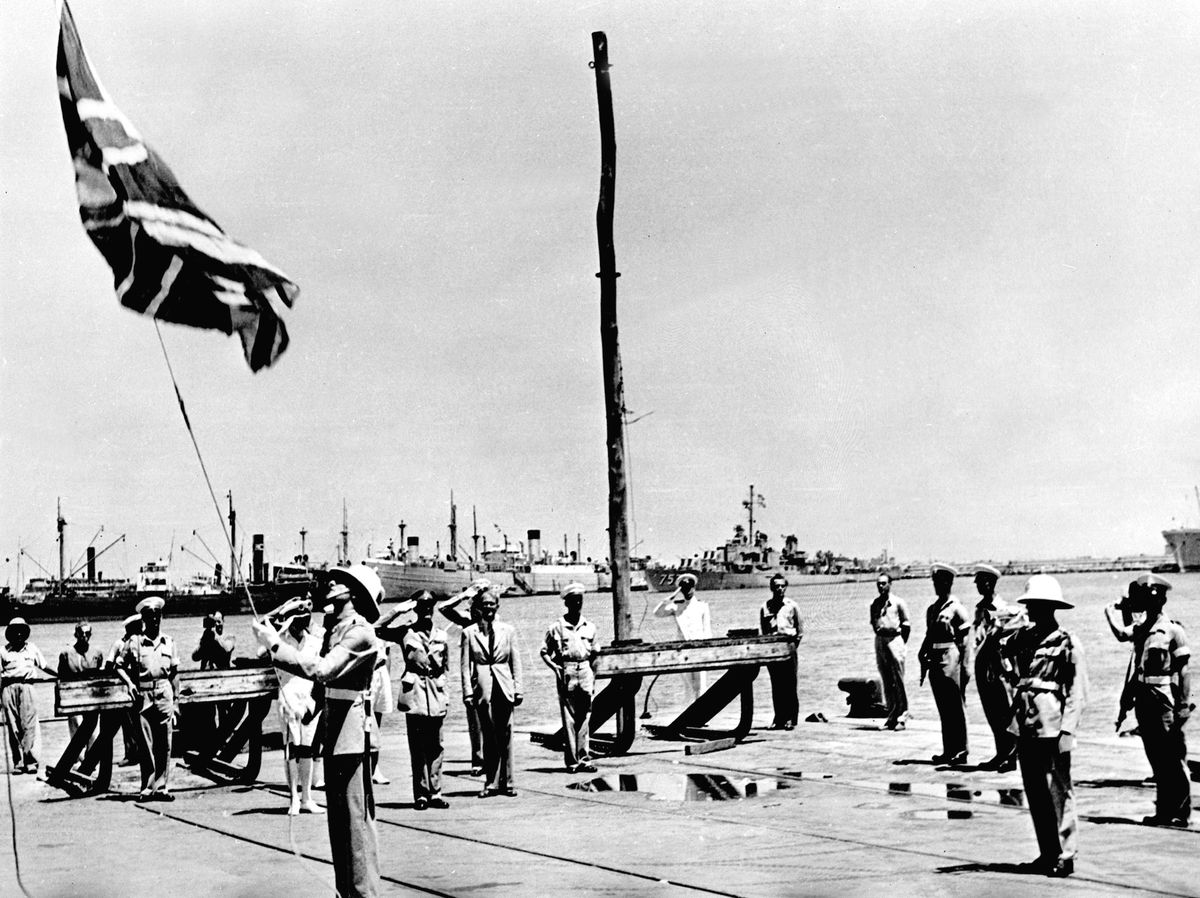 The last British troops in what had been the British Mandate of Palestine lower their flag in Haifa harbor in June 1948 (AFP/Getty)