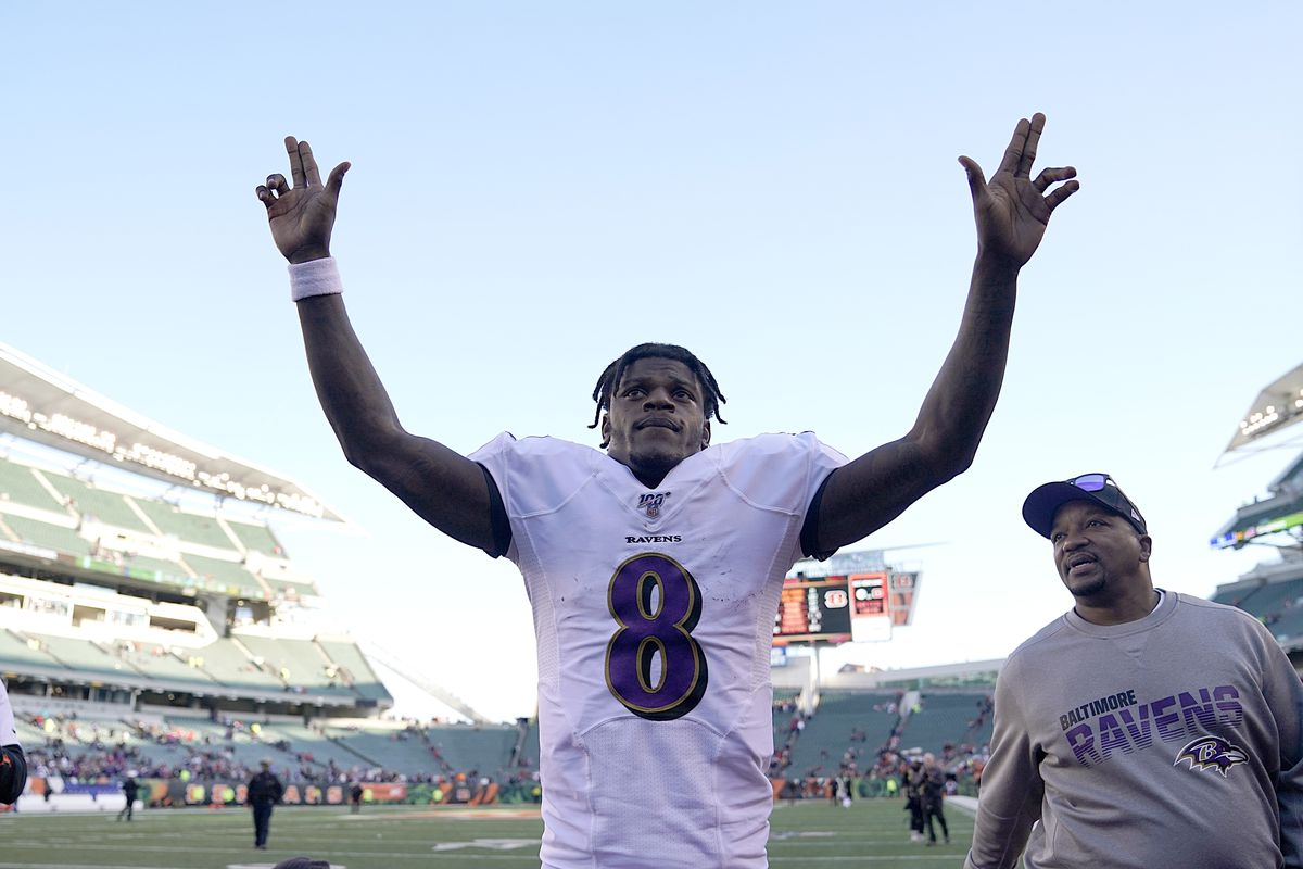 Lamar Jackson of the Baltimore Ravens waves at the crowd after the NFL football game against the Cincinnati Bengals at Paul Brown Stadium on November 10, 2019 in Cincinnati, Ohio.