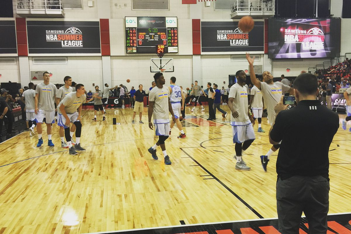 Nuggets warming up before facing the Hawks on July 10th in Las Vegas.