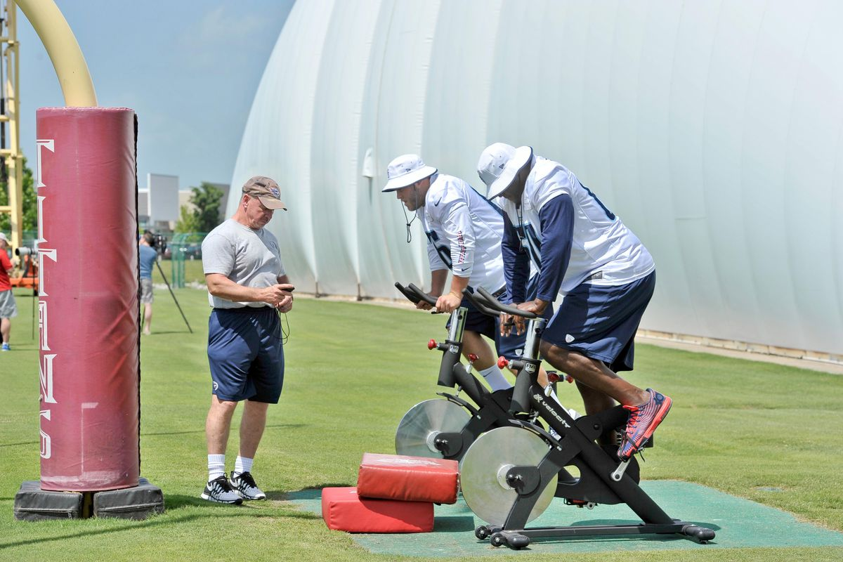 Steve Waterson puts a few guys through the Kenny Britt workout.