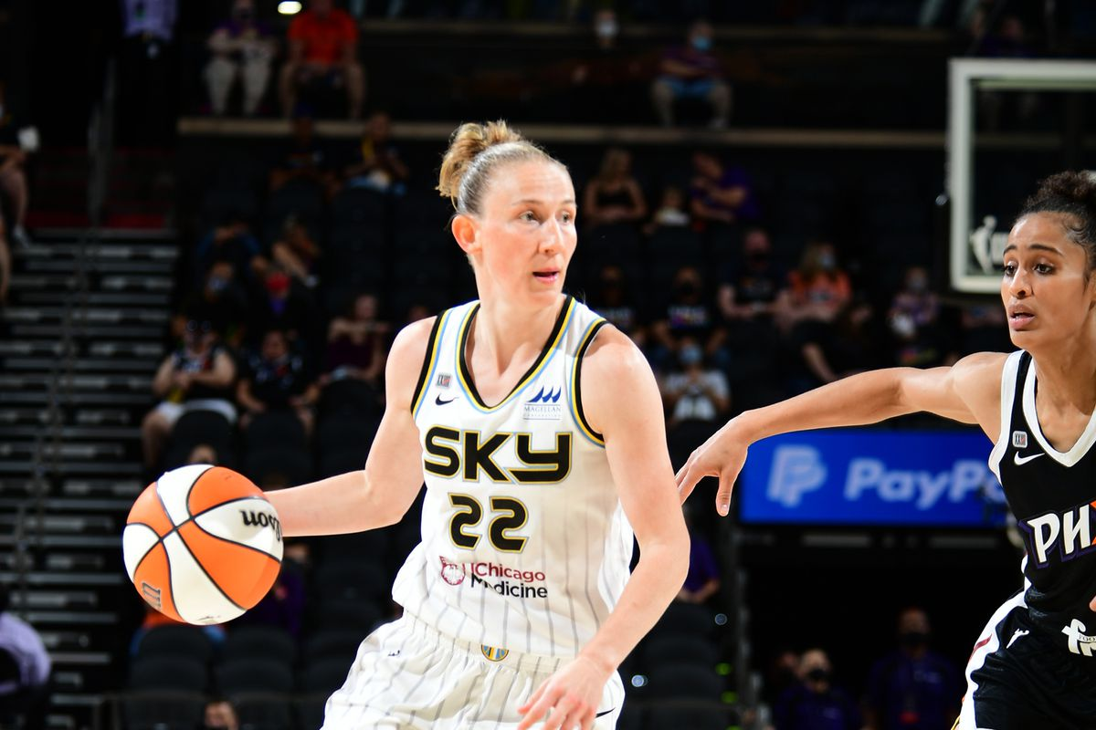 Sky guard Courtney Vandersloot missed a three-pointer at the end of the overtime period on Thursday at Phoenix Suns Arena in Phoenix.