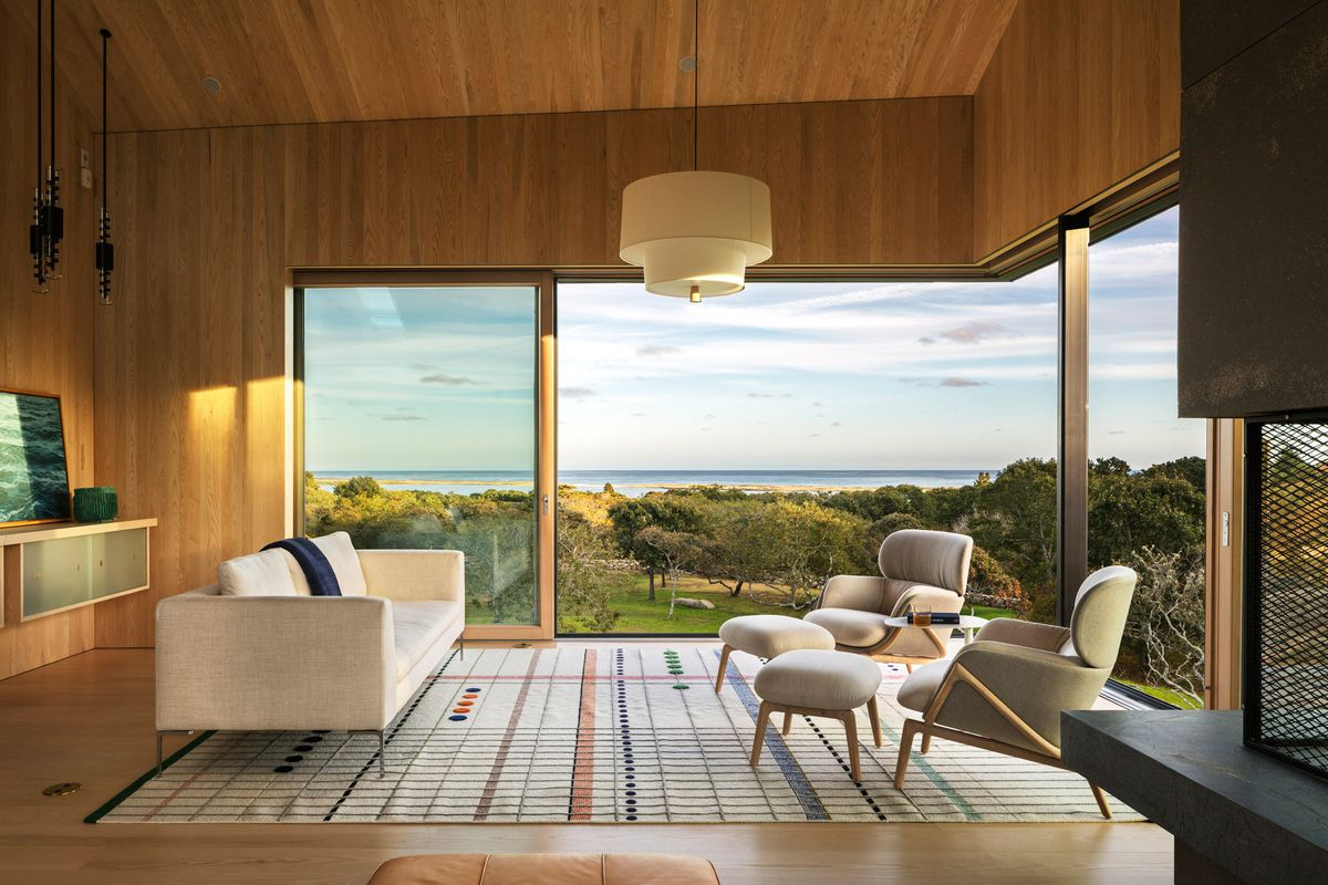 Martha S Vineyard Modern Home Is All Glass Walls And Ocean
