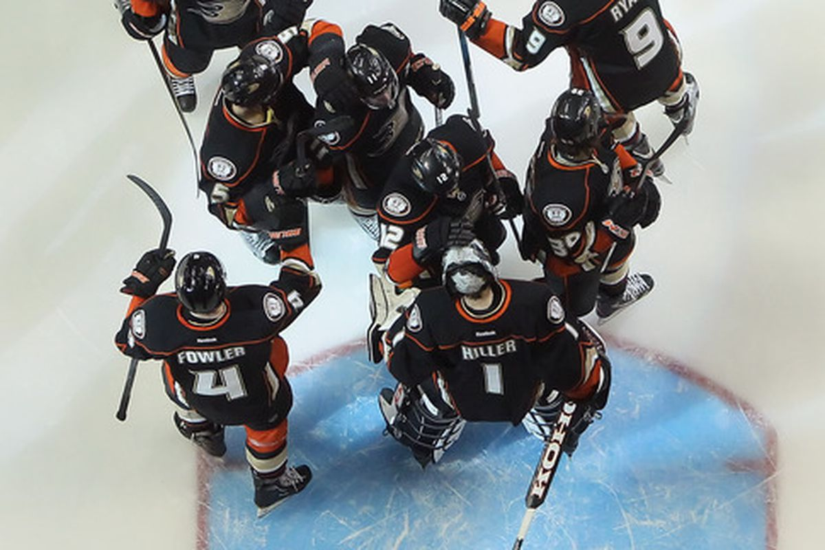 ANAHEIM, CA - MARCH 02:  Goaltender Jonas Hiller #1 of the Anaheim Ducks and his teammates celebrate following a 3-2 victory over the Calgary Flames at Honda Center on March 2, 2012 in Anaheim, California.  (Photo by Jeff Gross/Getty Images)