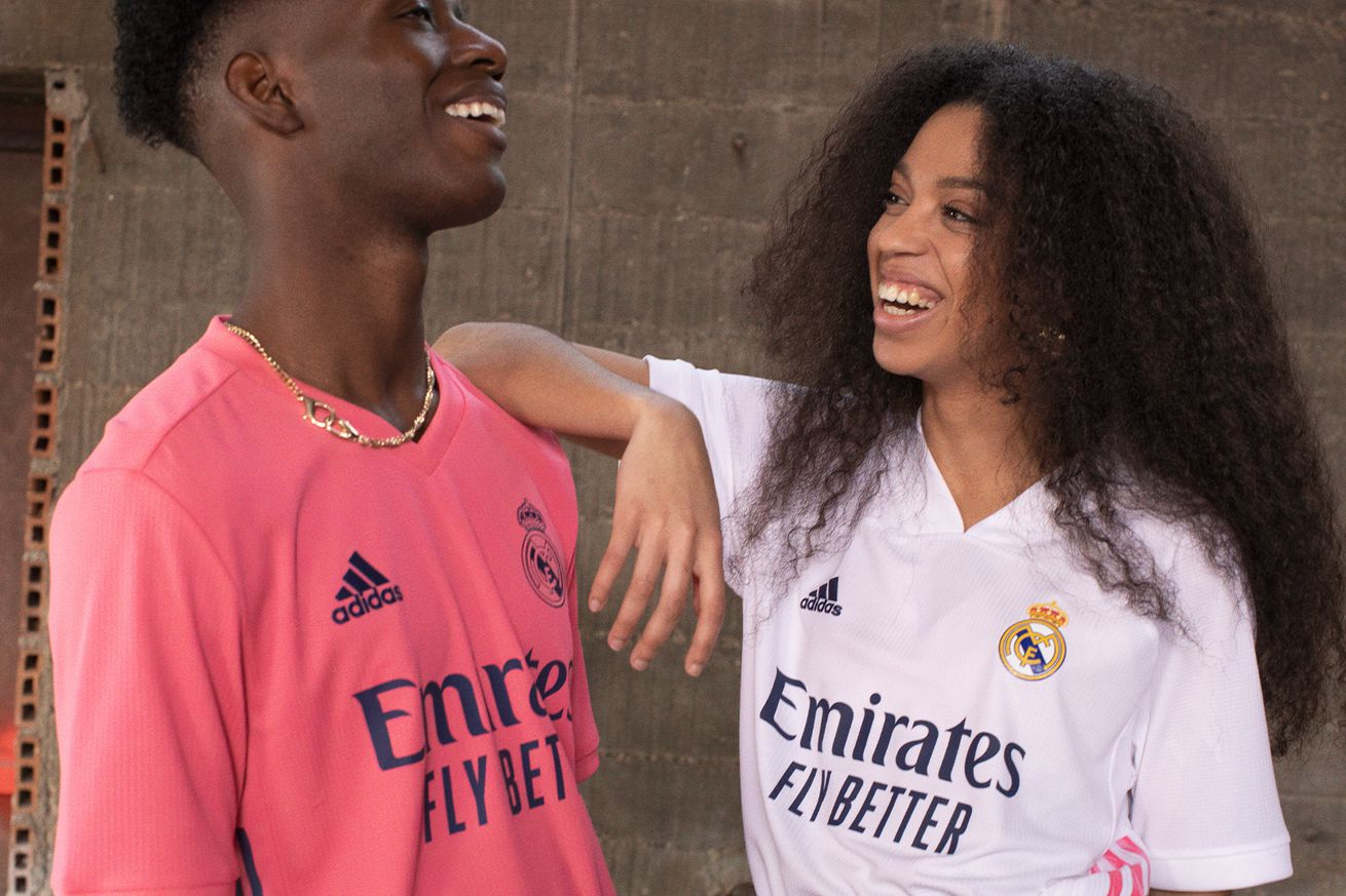 Churros y Tácticas Podcast: A Reaction To Real Madrid And Barcelona?s New Kits