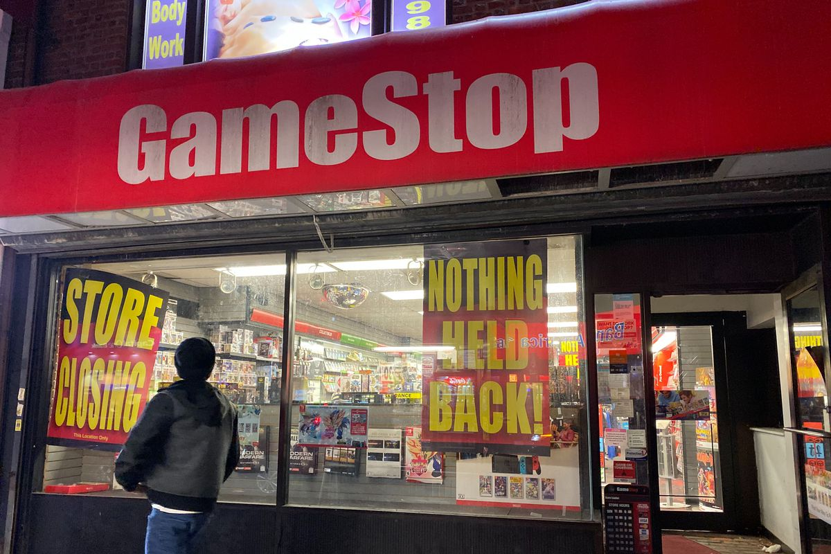 The outside awning of a GameStop retail store