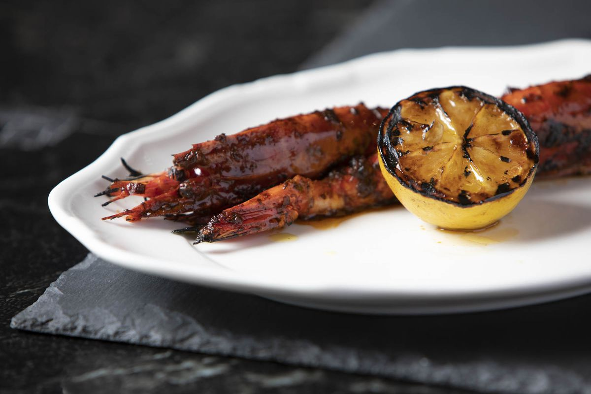 Grilled prawns with spicy marinade