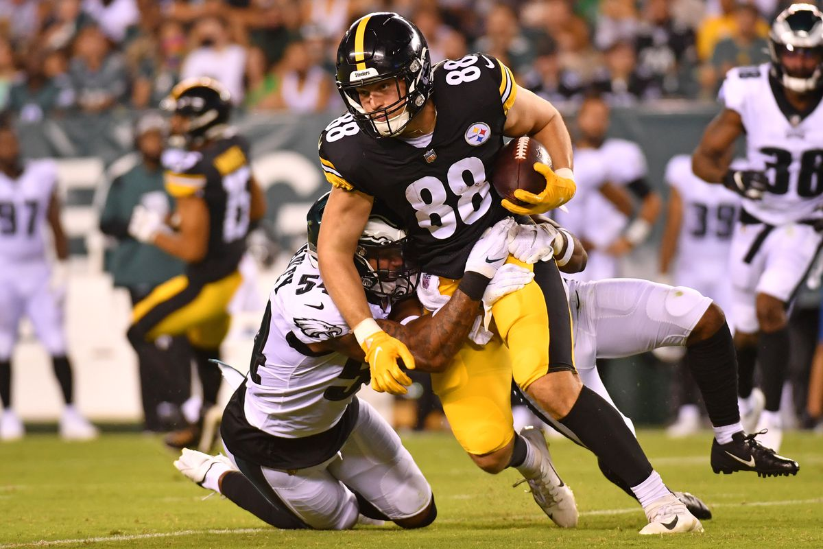 Pittsburgh Steelers tight end Pat Freiermuth (88) is tackled by Philadelphia Eagles linebacker Shaun Bradley (54) during the second quarter at Lincoln Financial Field.