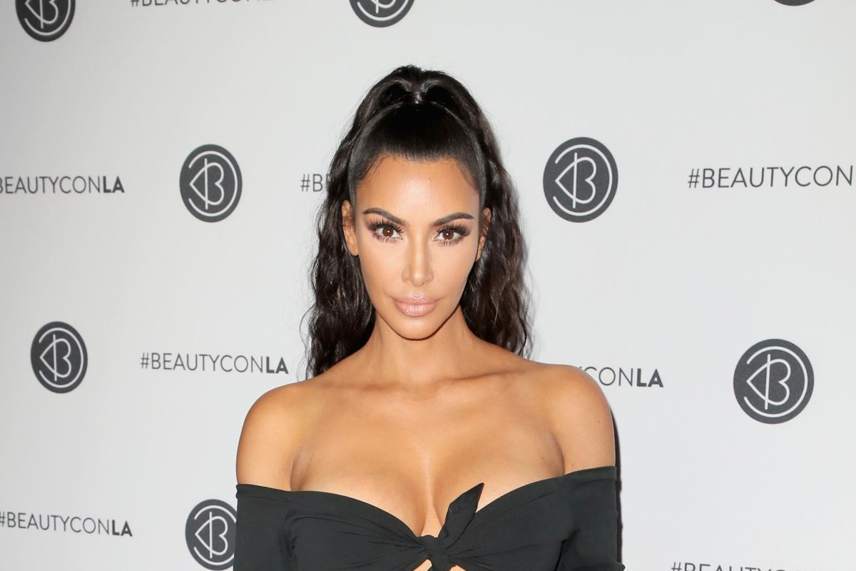 b68a48dd28d Kim Kardashian West and her sisters joked about anorexia. The backlash is …  complicated.