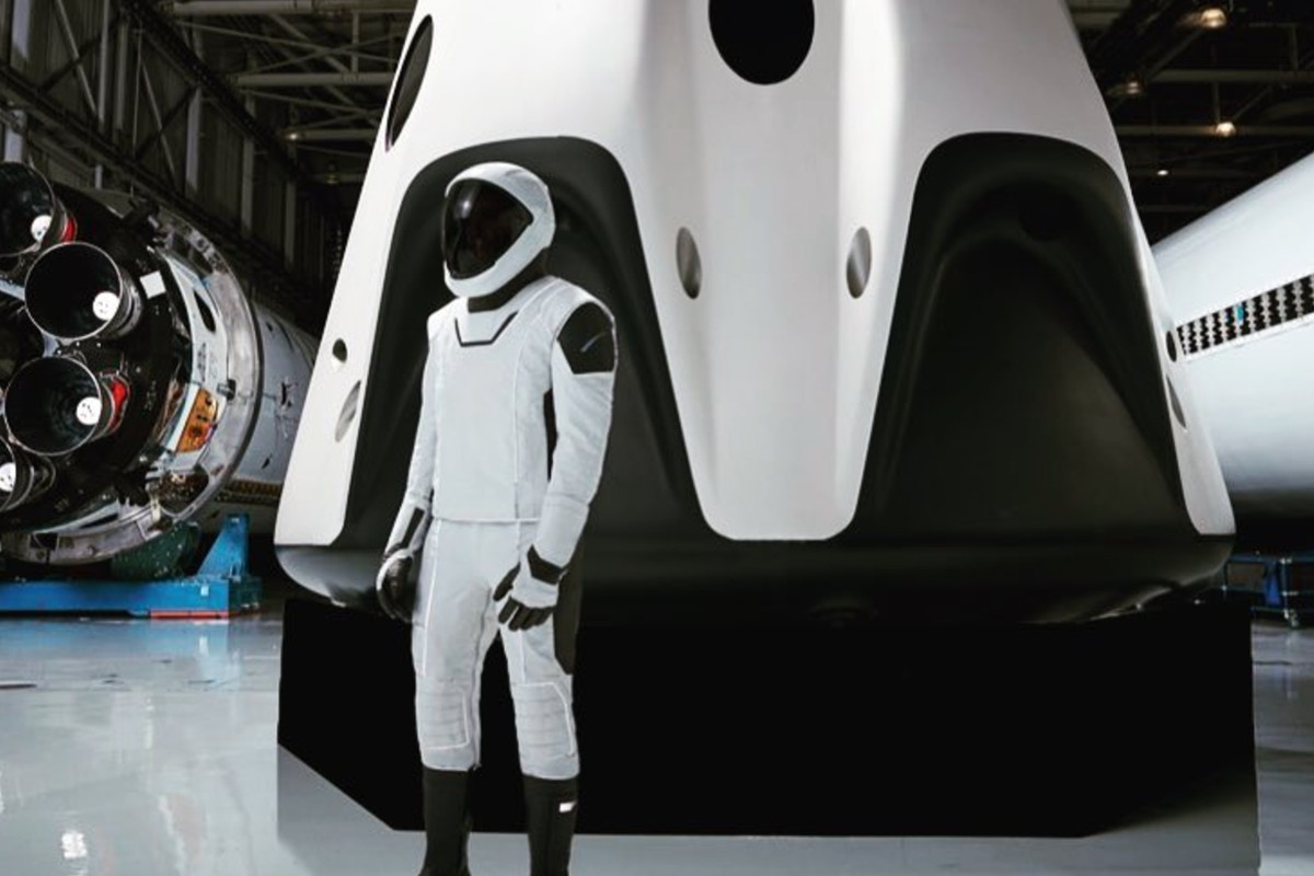 Elon Musk reveals the head-to-toe picture of SpaceX spacesuit