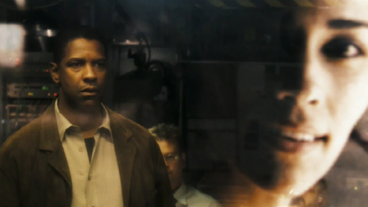 Denzel Washington as Special Agent Douglas Carlin viewing a past projection of his dead wife in Deja Vu.