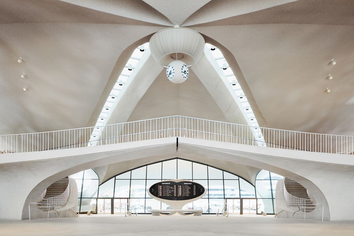 The TWA Hotel, a spectacular midcentury time capsule, finally opens 1
