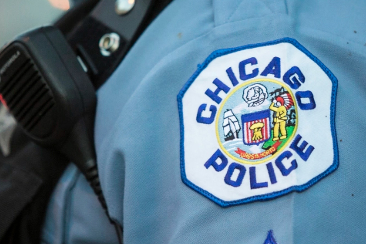 Police are warning Bucktown residents of a recent string of thefts to vehicles near a single intersection on the North Side.