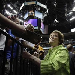 Tennessee women's basketball coach Patt Summitt signs autographs at the NCAA Women's Final Four basketball tournament in Denver, Saturday, March 31, 2012.