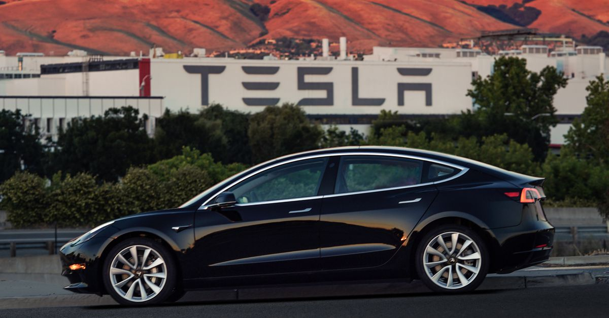 Reddit Tesla Model 3 Wallpaper ✓ Fitrini's Wallpaper