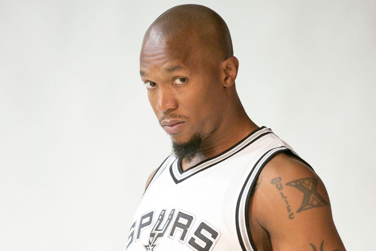 """David West explains his """"selfish"""" decision to join the Spurs"""