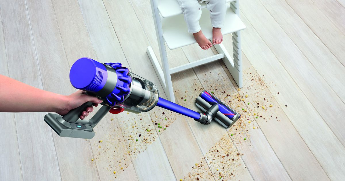 Dyson Cyclone V10 Vacuum Ushers In Cordless Future Curbed