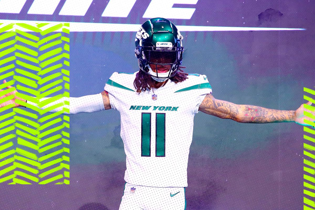 91255c14cda This week, the New York Jets unveiled brand new jerseys they will be  wearing during the 2019 NFL season. The Jets last updated their jerseys  prior to the ...