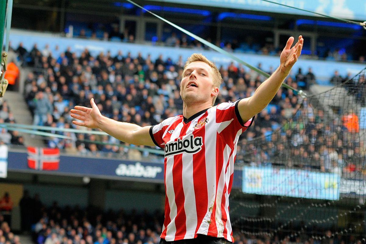 Soccer - Barclays Premier League - Manchester City v Sunderland