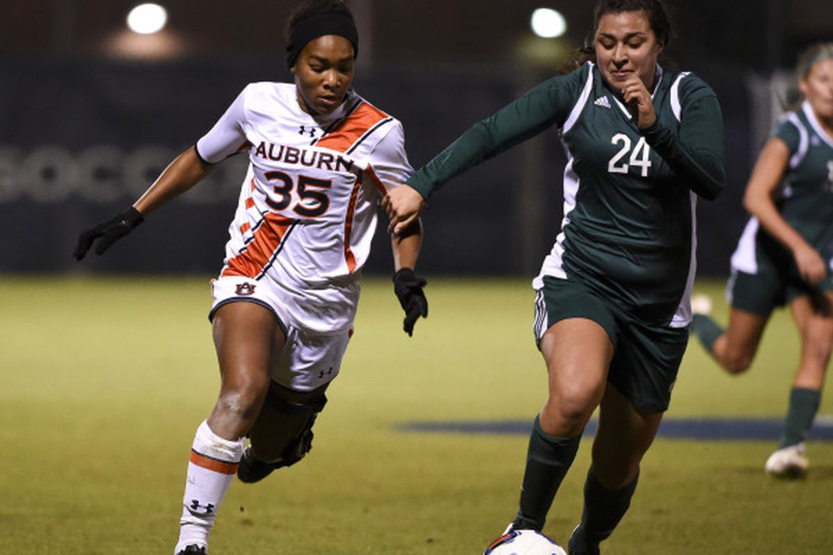 Kristin Dodson scored the only goal Auburn needed to escape the first round.