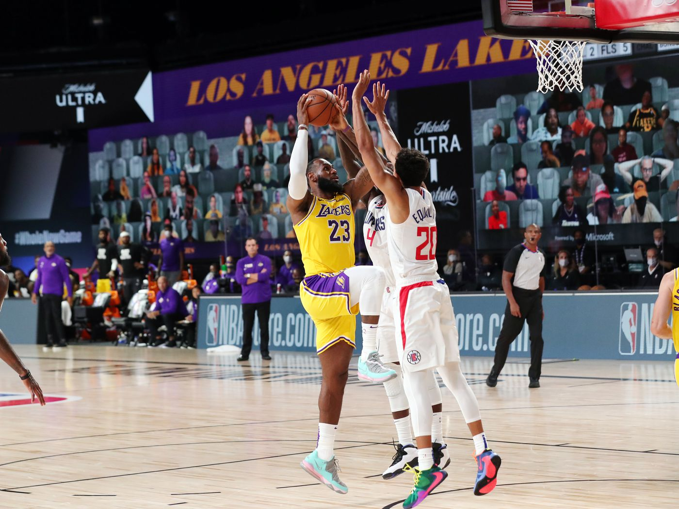 Clippers Vs Lakers Final Score Lebron James Hits Game Winner In 103 101 Win Thursday Night Draftkings Nation